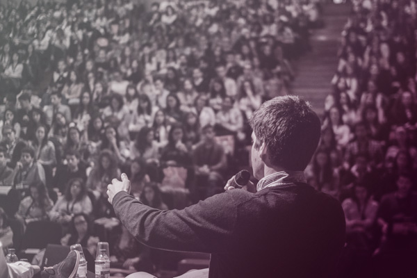 Overtuigend een publiek toespreken
